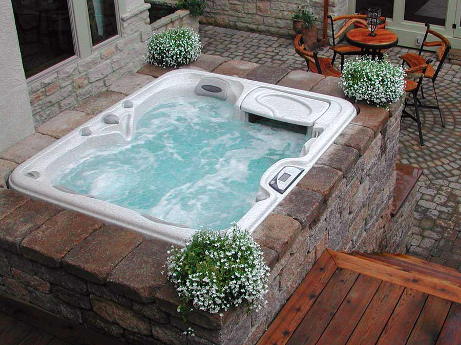 outdoor hot tub in Wichita Falls